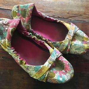 Keen Shoes - Keen 8.5 ballet flats - ADORABLE!